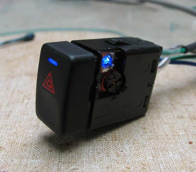 éclairage des boutons de la console centrale (feux, anti-brouillards, EAS...) Buttonnaked